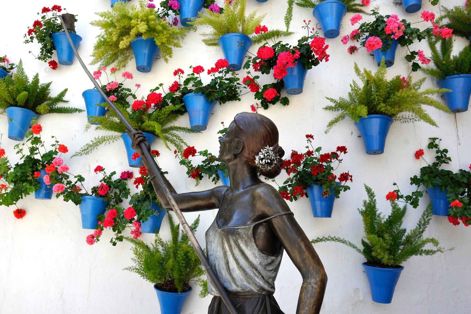 Monumento a los Patios de Córdoba | Monument to the Córdoba Courtyards | Monument dédié aux Patios de Cordoue